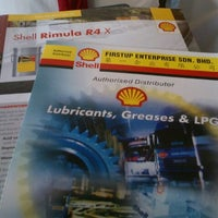 Photo taken at Shell by Anis S. on 5/14/2013