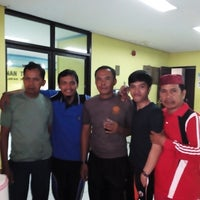 Foto diambil di Kantor Kelurahan Duri Kepa oleh Achmad R. pada 6/10/2014
