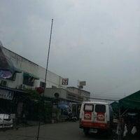 Photo taken at 7-eleven หมู่บ้านสมชาย by nutmunee w. on 11/24/2012