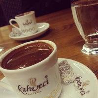 Das Foto wurde bei Kahveci Hacıbaba von Hamdi A. am 11/2/2013 aufgenommen