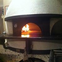 Das Foto wurde bei Menomalé Pizza Napoletana von Jason H. am 5/26/2013 aufgenommen