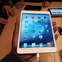 12/29/2012에 Kerwin M.님이 Apple Memorial City에서 찍은 사진