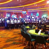 รูปภาพถ่ายที่ Viva Casino โดย Ozan T. เมื่อ 10/18/2012