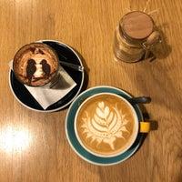 Foto scattata a 9 Bar Coffee da Jess L. il 1/3/2018