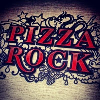 Foto tirada no(a) Pizza Rock por James d. em 10/11/2012