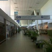 Photo taken at Aeropuerto Internacional de Rosario - Islas Malvinas (ROS) by Pablo H. on 3/4/2013