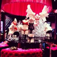 Снимок сделан в Victoria's Secret пользователем Katerina S. 11/13/2012