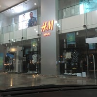 Photo taken at H&M | اتش اند ام by Naif A. on 6/2/2017