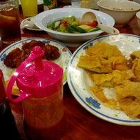 Photo taken at Restoran 3A Yong Tau Foo & Cheong Fun by Farizal K. on 9/17/2017