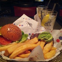 Photo prise au Le Burger Brasserie par Tony D. le1/31/2013