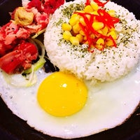 Photo taken at Pepper Lunch by Clarine N. on 3/9/2014