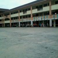 Photo taken at SMK Taman Semarak by Jojo L. on 5/5/2013