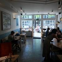 Photo prise au Cafe Velvet Brussels par Guillem C. le4/20/2018