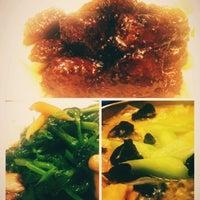 Photo taken at 绿波廊 by Anson L. on 12/2/2012