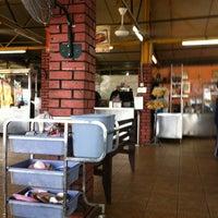 Foto diambil di Mancongkam Chicken Rice oleh Hazreek L. pada 12/20/2012