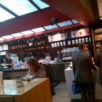 10/31/2012에 Oscar B.님이 Central Cafe에서 찍은 사진