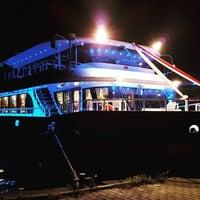 2/19/2017 tarihinde Seyr-ü Sefa Teknesi | İstanbul Tekne Kiralama & Teknede Düğünziyaretçi tarafından Seyr-ü Sefa Teknesi | İstanbul Tekne Kiralama & Teknede Düğün'de çekilen fotoğraf