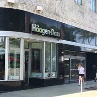 Photo taken at Haagen-Dazs Shop by Mott K. on 8/28/2017