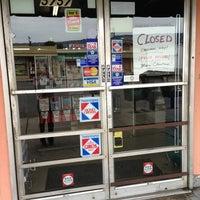 12/25/2012にJian S.がSanta Cruz Marketで撮った写真