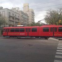 Foto tomada en Parador Belgrano [Metrotranvía] por qd 2. el 5/17/2013
