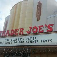 Снимок сделан в Trader Joe's пользователем Marcus 6/16/2013