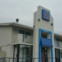 Photo taken at Motel 6 by Marcus on 11/1/2015