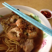 Photo taken at Ah Fu Prawn Noodle by JK on 2/9/2014
