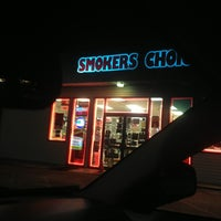 Photo taken at Smokers Choice by Woodstock T. on 1/20/2013