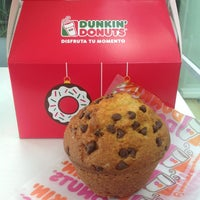 Photo taken at Dunkin Donuts by Angelik P. on 12/9/2013