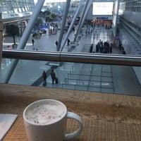 Photo taken at Starbucks by Glr N. on 3/31/2017
