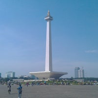 Photo taken at Monumen Nasional (MONAS) by Joeri Van de Velde on 6/2/2013