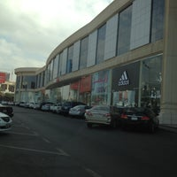 Photo taken at H&M | اتش اند ام by Darlszs V. on 12/13/2012