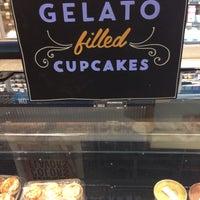 Foto scattata a Whole Foods Market da Mochene il 5/24/2015