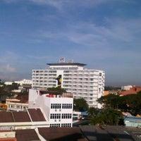 Photo taken at WANA Riverside Hotel Malacca by Dayang S. on 12/22/2012