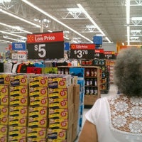 Photo taken at Walmart Supercenter by Mariana B. on 3/19/2013