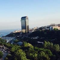 7/13/2015 tarihinde @guzziyaretçi tarafından Spago İstanbul by Wolfgang Puck'de çekilen fotoğraf