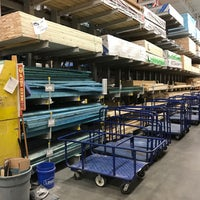 Photo taken at Lowe's Home Improvement by Kevin H. on 11/20/2016