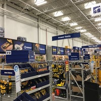 Photo taken at Lowe's Home Improvement by Kevin H. on 12/28/2016