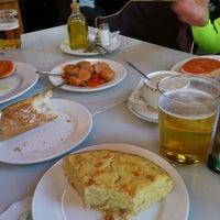 Foto tomada en Restaurante El Urogallo por Fis E. el 11/24/2013