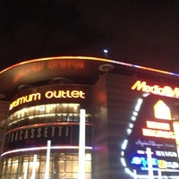 Photo taken at Optimum Outlet by Ümit on 11/29/2012