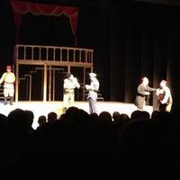 11/29/2012 tarihinde Hilal🌙ziyaretçi tarafından Devlet Tiyatrosu Haluk Ongan Sahnesi'de çekilen fotoğraf