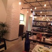 Foto scattata a Origano - cucina, pizza, caffè da Alex S. il 2/7/2014