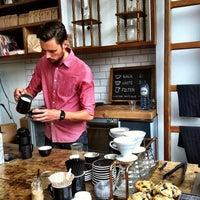 Foto tirada no(a) Lot Sixty One Coffee Roasters por Bianca S. em 8/22/2013