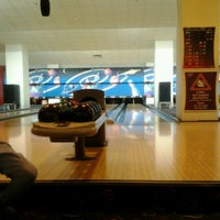 10/20/2012 tarihinde Olcay G.ziyaretçi tarafından RollingBall Bowling'de çekilen fotoğraf
