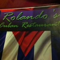 Foto tomada en Rolando's Cuban Restaurant por Sweet Vintage L. el 11/9/2012