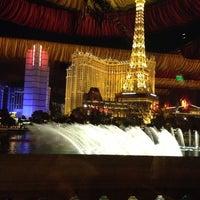 Foto scattata a Le Cirque da Elena P. il 12/5/2012