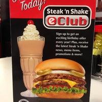 Photo taken at Steak 'n Shake by Lorene E. on 1/27/2013