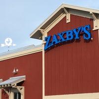 Photo taken at Zaxby's Chicken Fingers & Buffalo Wings by Lorene E. on 6/12/2017