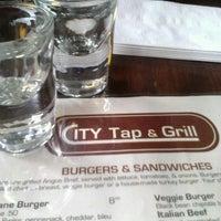 3/24/2013 tarihinde Shai H.ziyaretçi tarafından City Tap & Grill'de çekilen fotoğraf