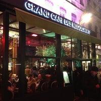 Foto tirada no(a) Grand Café des Négociants por Irina B. em 12/8/2012